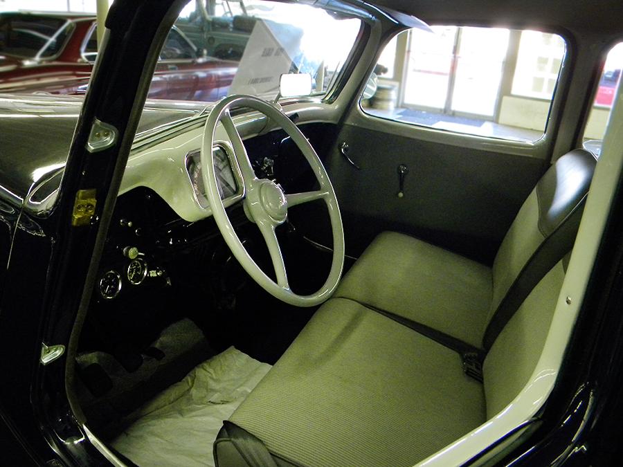 1956 Citroen Traction Avant front seat.jpg