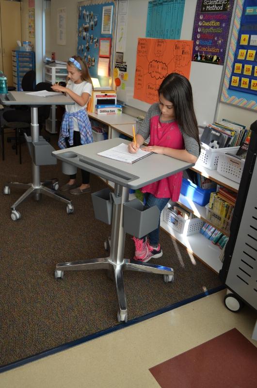 Beaverton students using Ergotron's LearnFit desks (PRNewsFoto/Ergotron, Inc.)