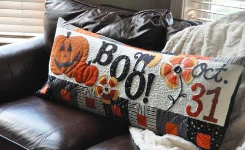 halloween pillow.PNG