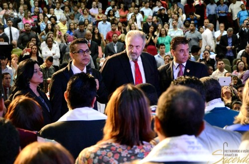 speaking to new apostles crop Open heaven  conference brazil 2015.jpg
