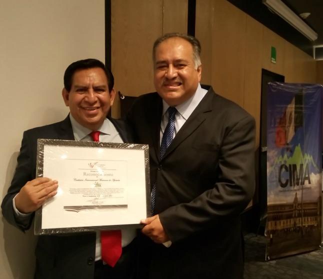 carlos award 500.jpg