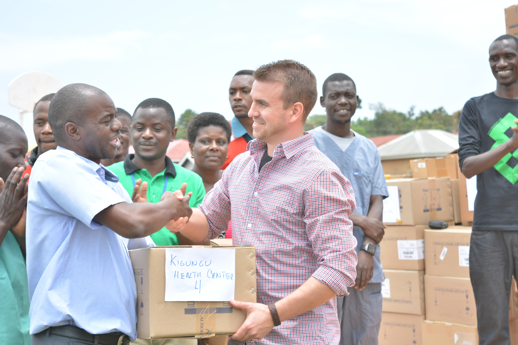 March 2017, CitiHope delivered over $7 million USD in medicine to Entebbe, Uganda and the Lake Victoria area in partnership wtih Calvary Chapel Entebbe and Hope for Restoration Initiative..jpg