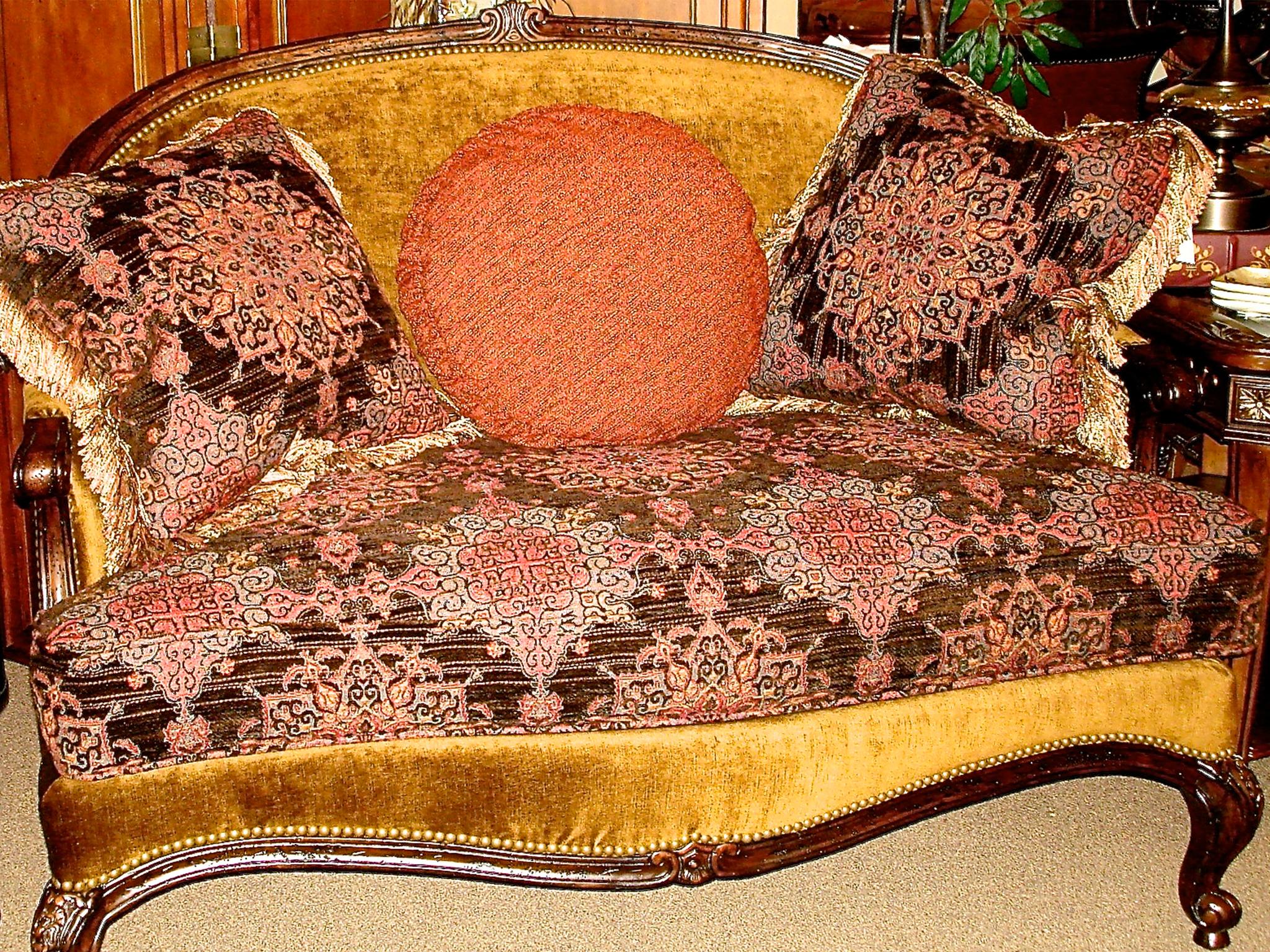 Sofa 11.jpg
