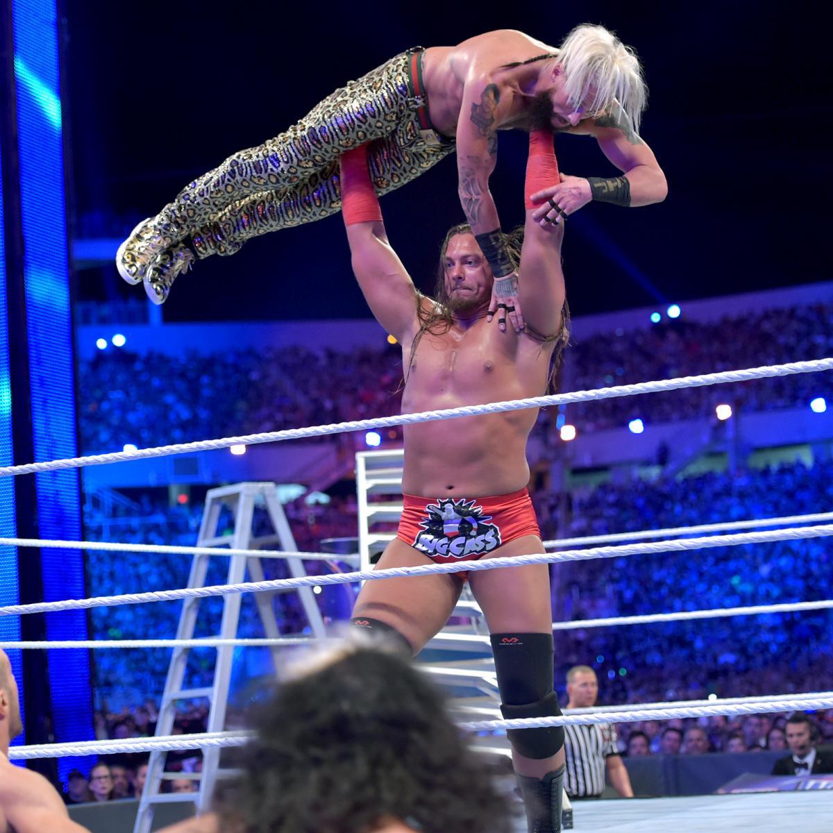 WWE-Kicks-Wrestlemania-33-Enzo-Amore-1.jpg