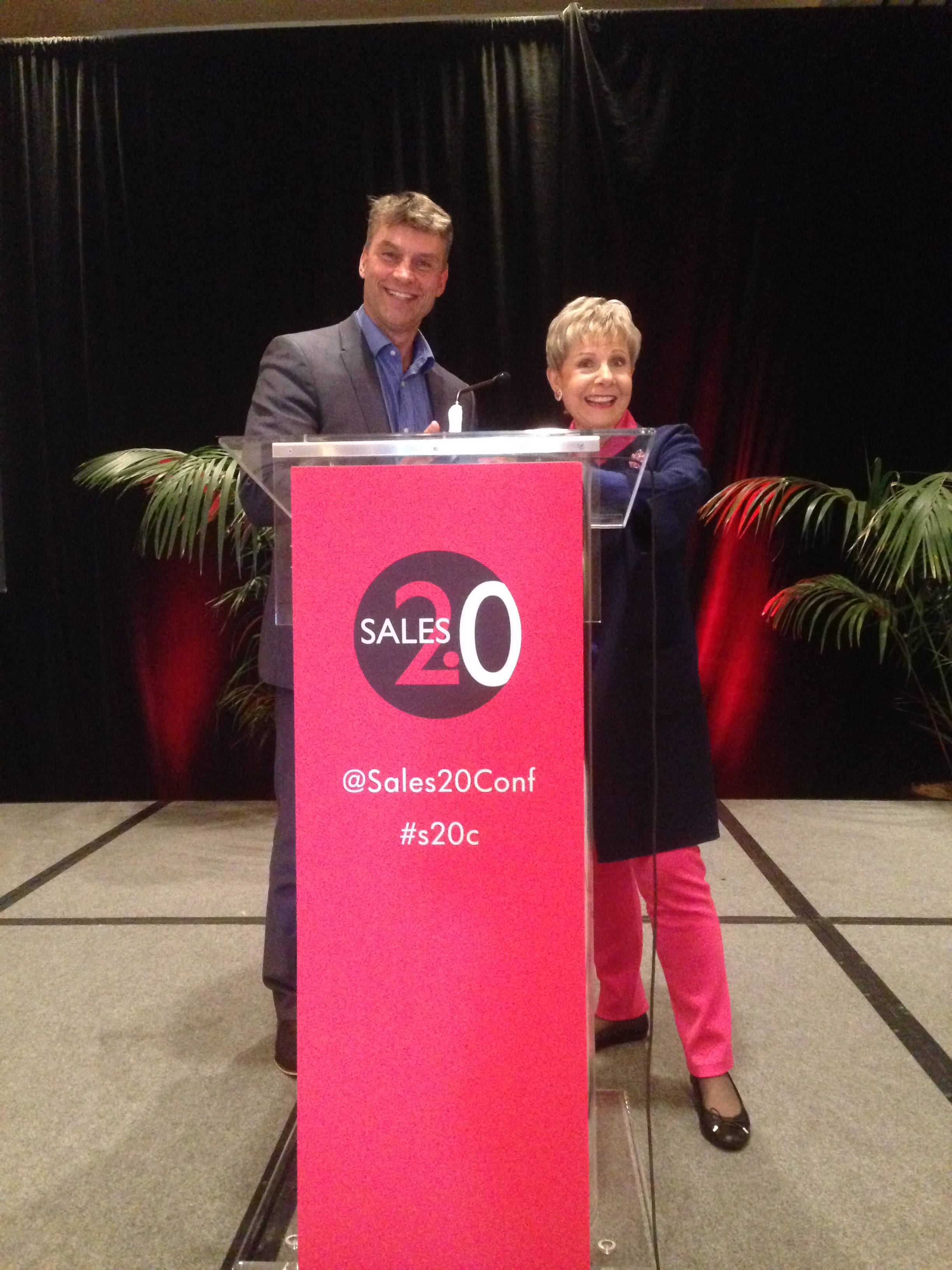 peter strohkorb with Patricia Fripp on stage at the sales 2.0 conference in san francisco, usa