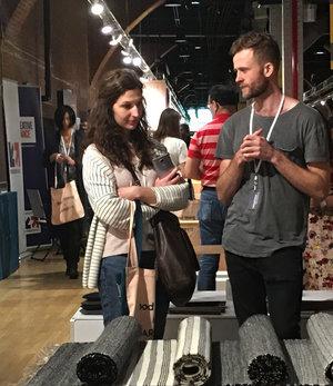 Rencontre avec   Alec Sutherland de   HautBeau  dans le kiosque de Québec Design.