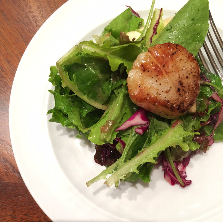 The grilled scallop, prepared on the infrared griddle.