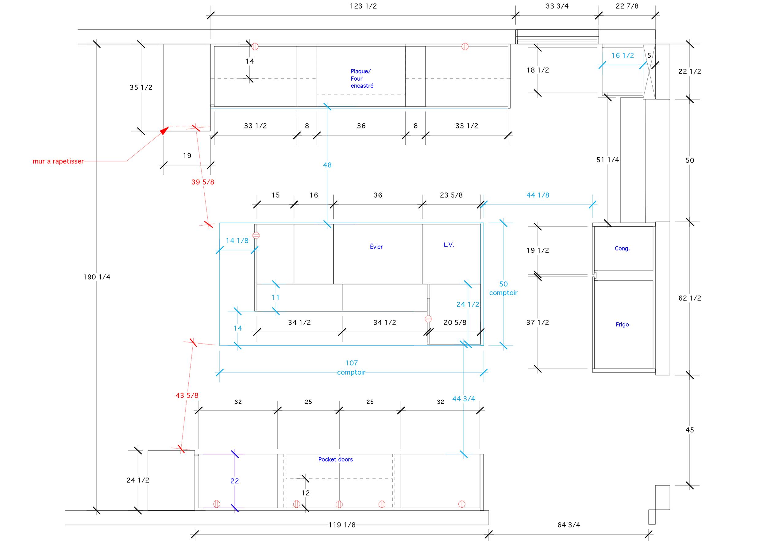 - Cette rénovation dans une demeure de ville Mont-Royal est le fruit d'une longue réflexion pour améliorer l'espace de vie familial. La luminosité, point de départ de cette transformation, donne le ton à la modernisation de cette cuisine. La laque blanche est privilégiée avec quelques touches de noyer en prime que l'on découvre à l'intérieur des armoire.Matériaux: laque blanche de polyuréthane avec 30% de lustre, placage de noyer noir effet planche, comptoir de marbre