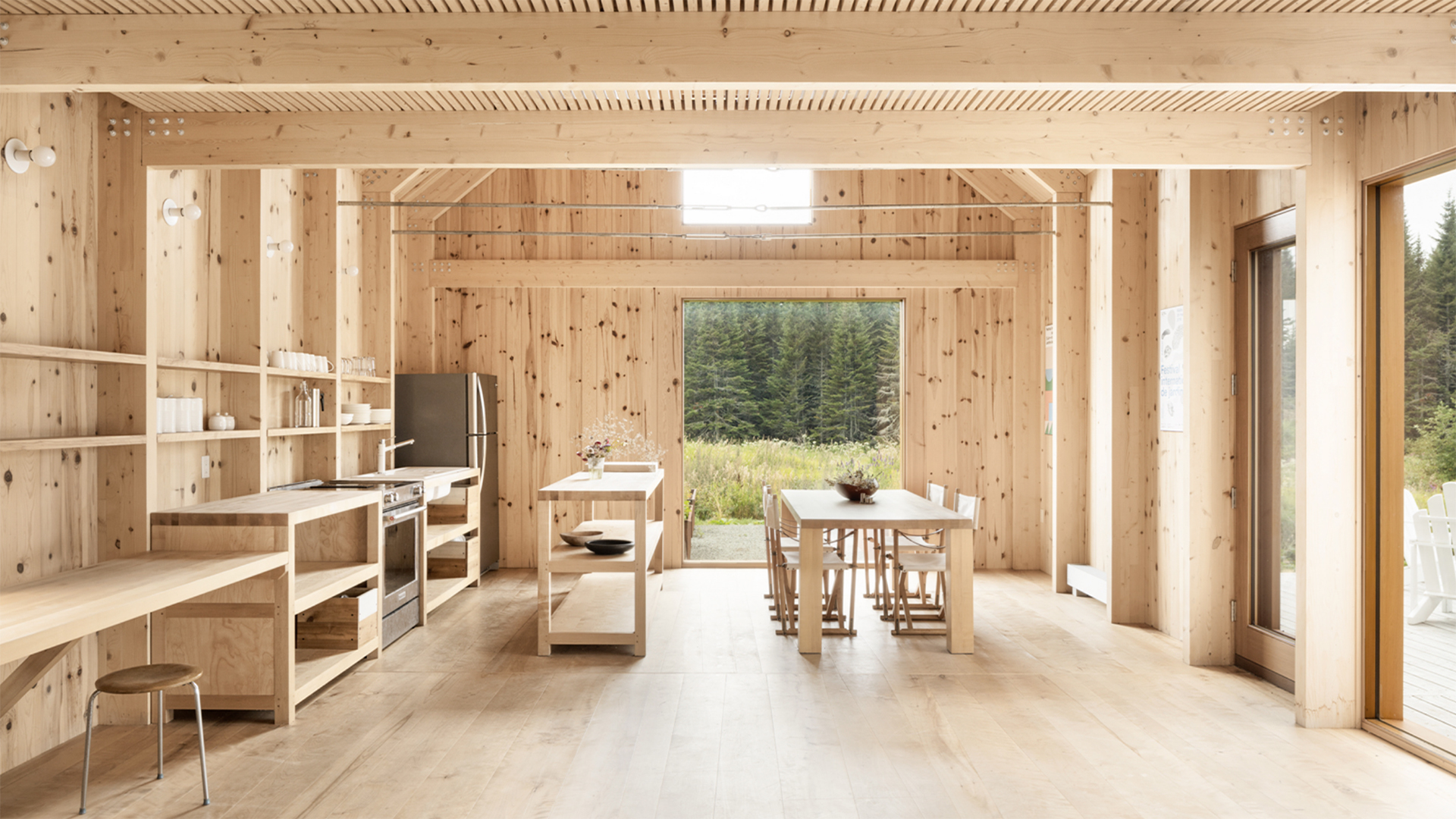 Design: Atelier Pierre Thibault / Winner of the Residential 1,600 to 3,200 sq.ft space Award.