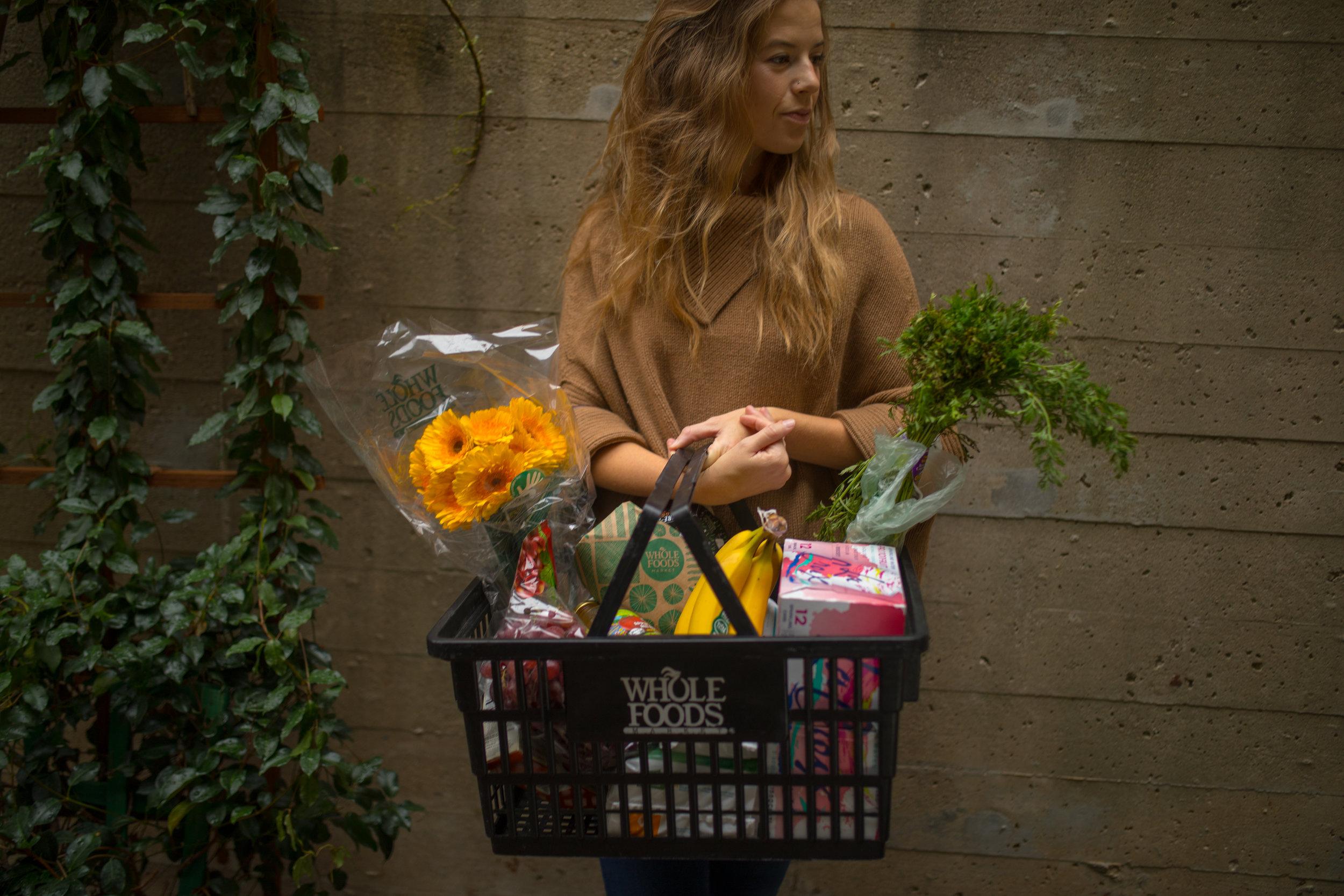 millennial_woman_organic_food
