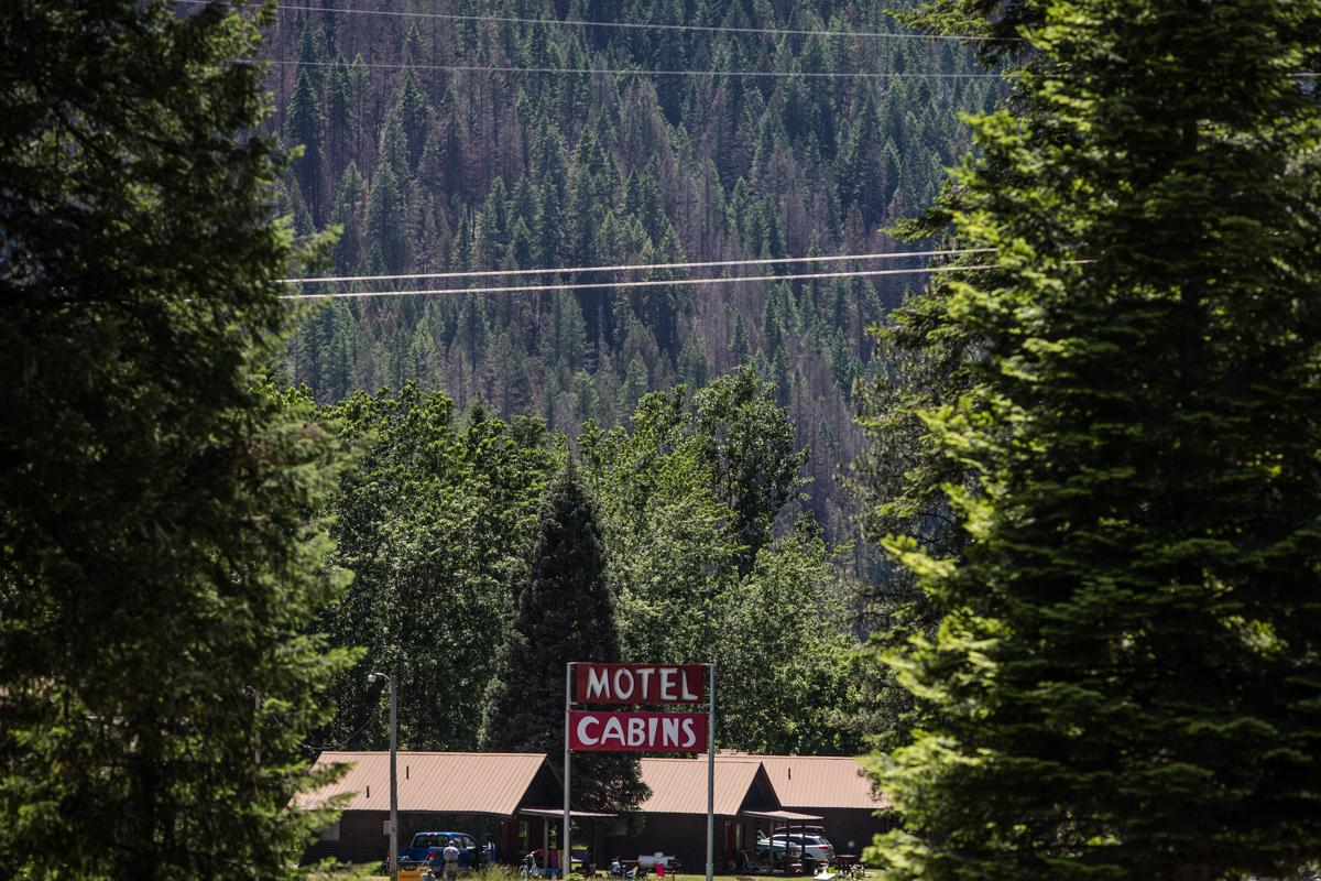 motel, cabins