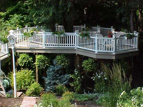 vinyl-deck-and-railing.jpg