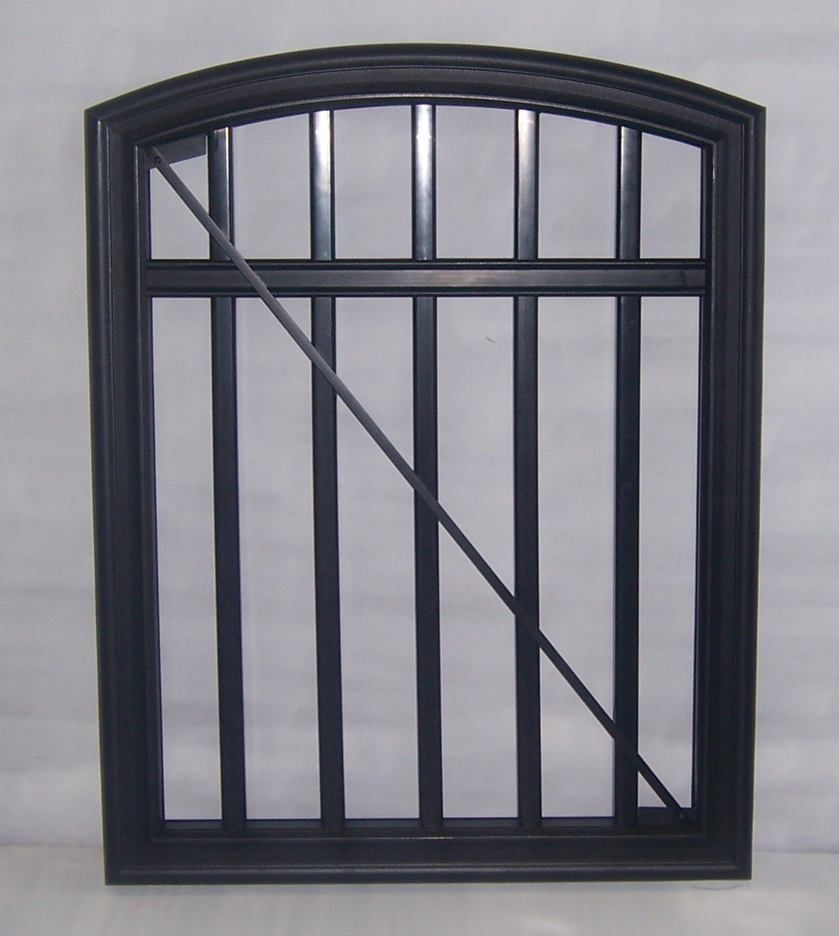 TimberTech RadianceRail Arch Top Gate with Midrail