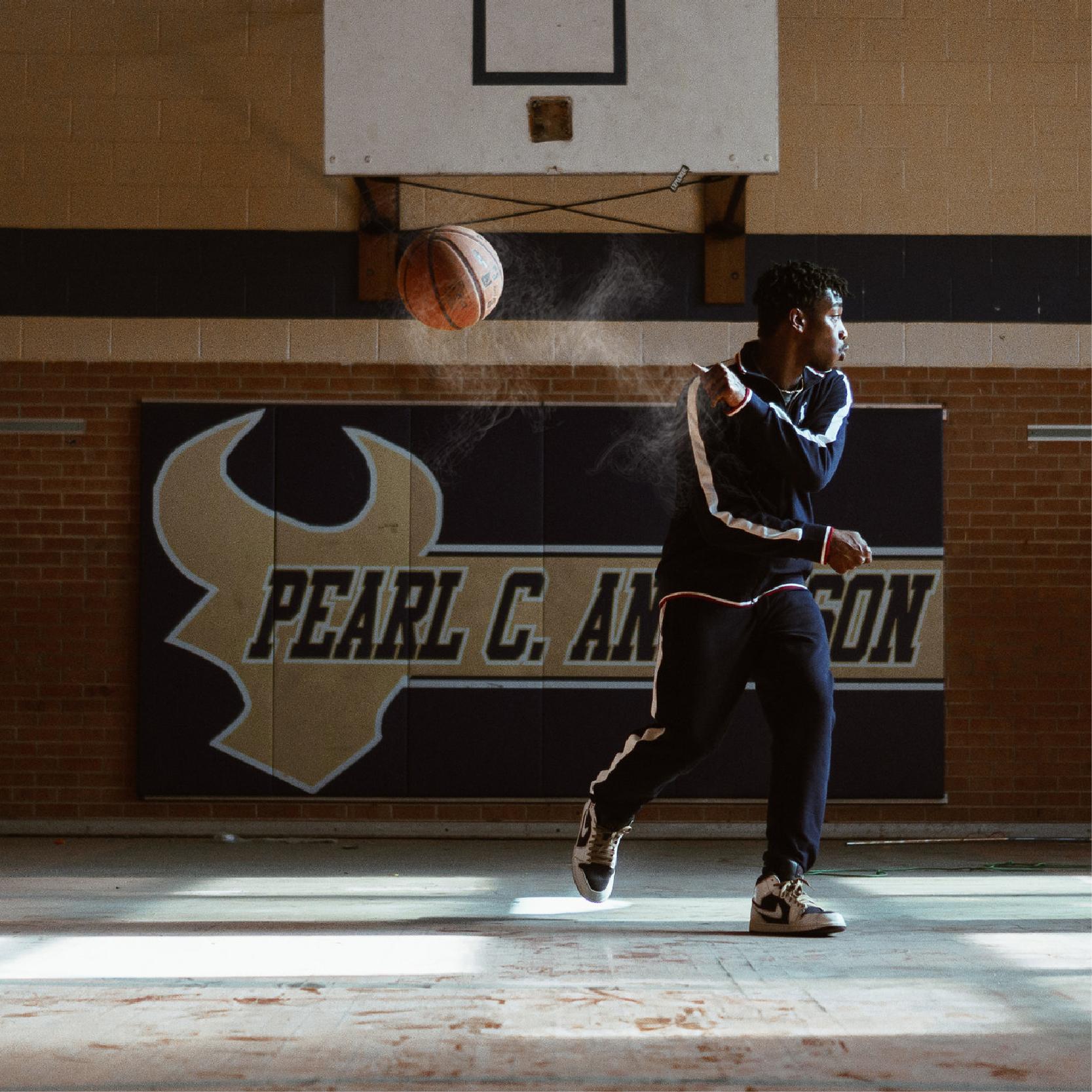 pearl c hoops -