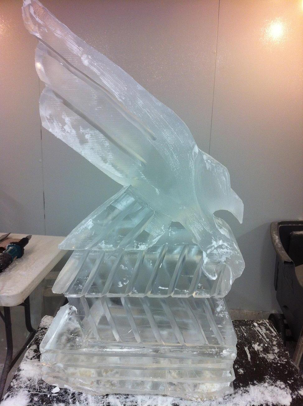 UNT eagle ice sculpture