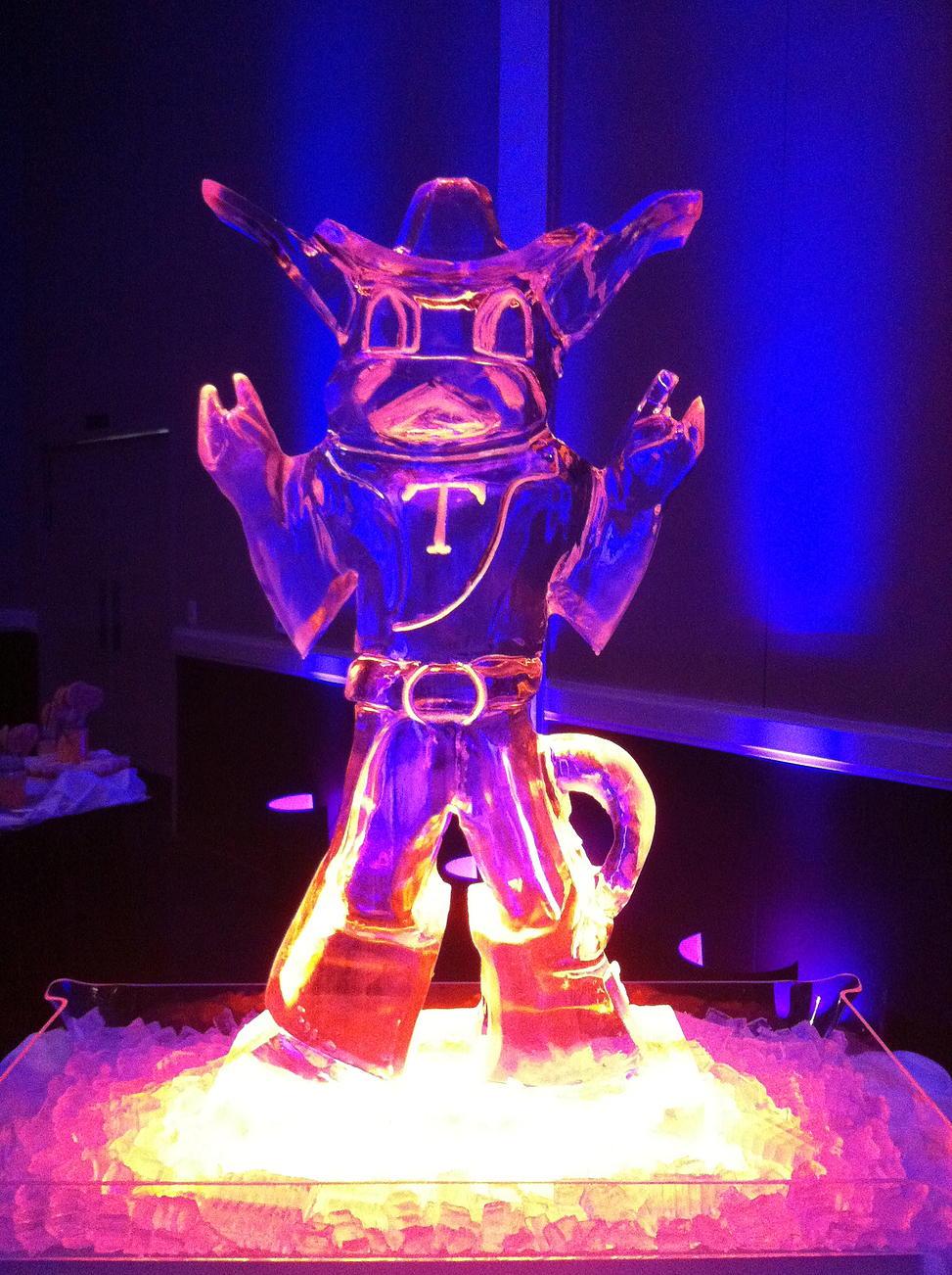 Bevo mascot ice sculpture
