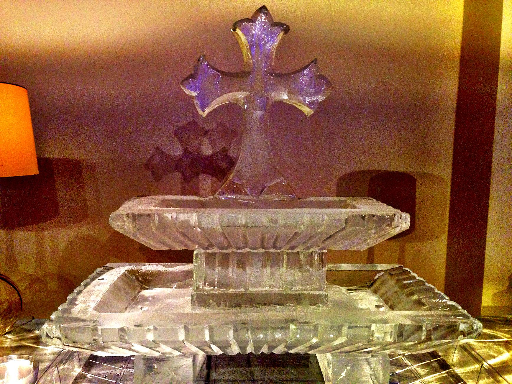 Seafood tray ice sculpture