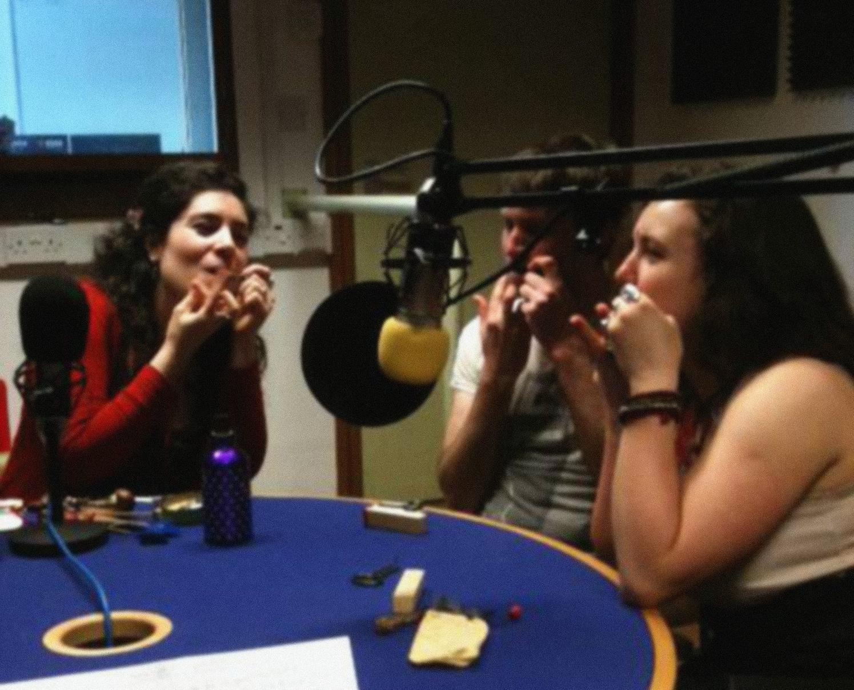 DEIRDRE MORGAN, EDDIE SMITH, & LUNA SILVA IN SOAS RADIO STUDIO. PHOTO: DJ RITU