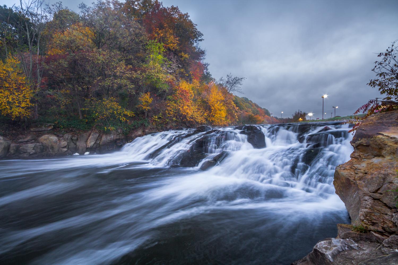Shaler-Plaza-Waterfall-1.jpg