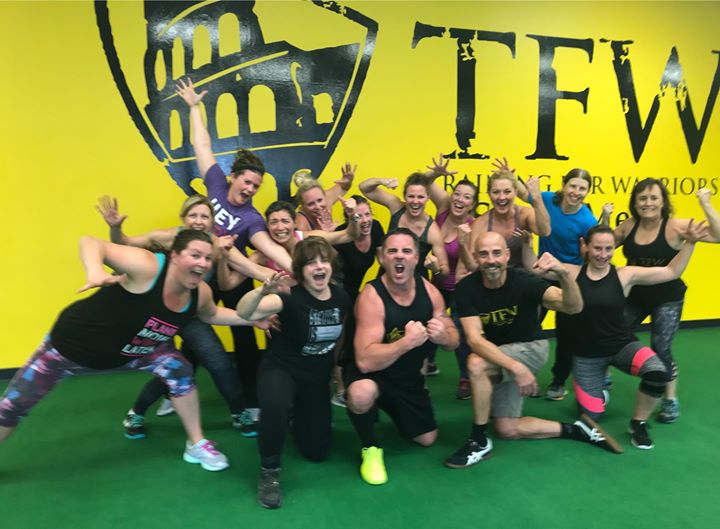 While going INTO THE ROAR of life it's always important to have fun along the way. TRAIN MORE, FEAR LESS and always be ready to throw out those jazz hands! Lose Fat. Build Muscle. Feel GOOD! Great training today WARRIORS! 👉 http://ift.tt/1MCk6