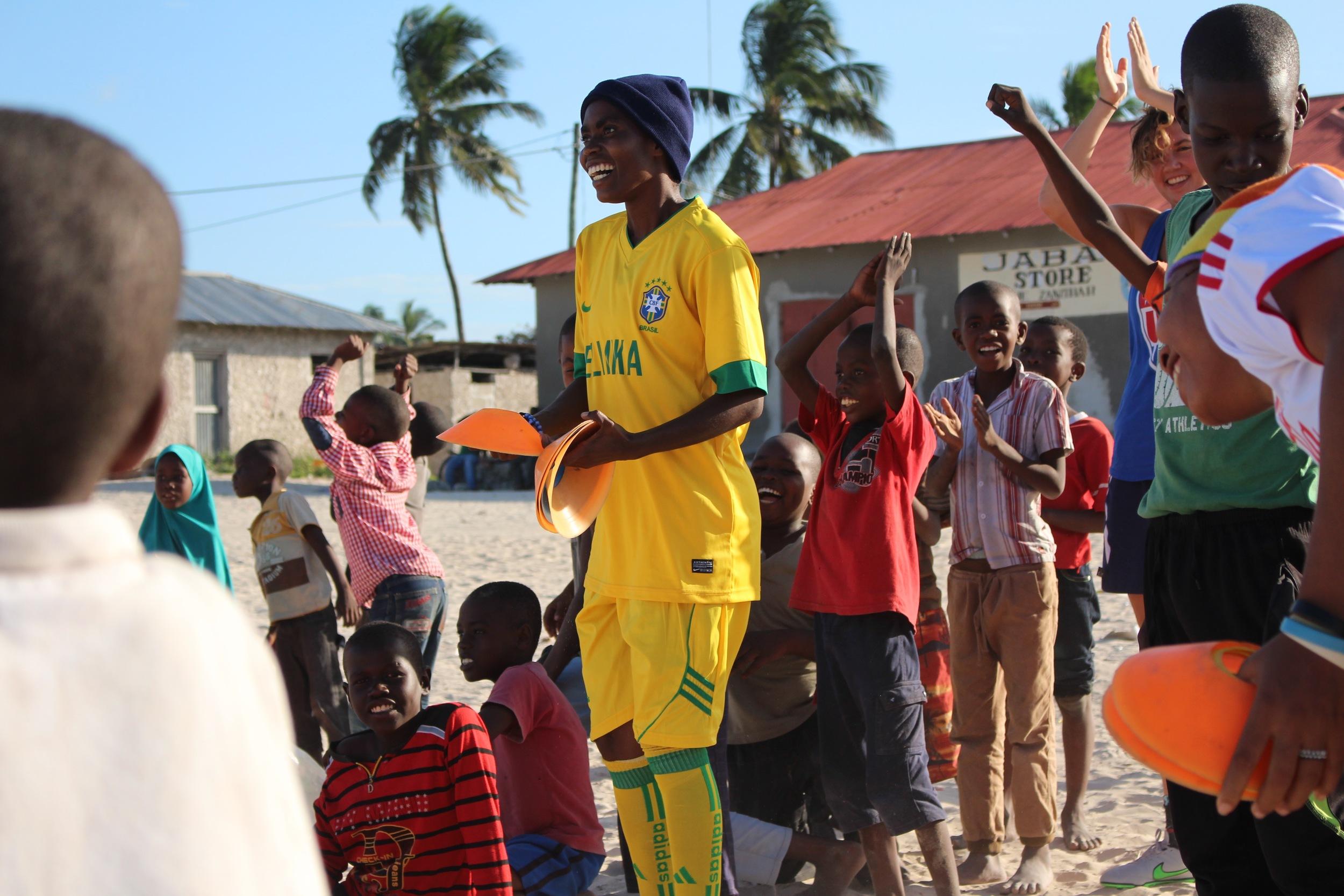 Warda organizing her team in Paje, July 2015