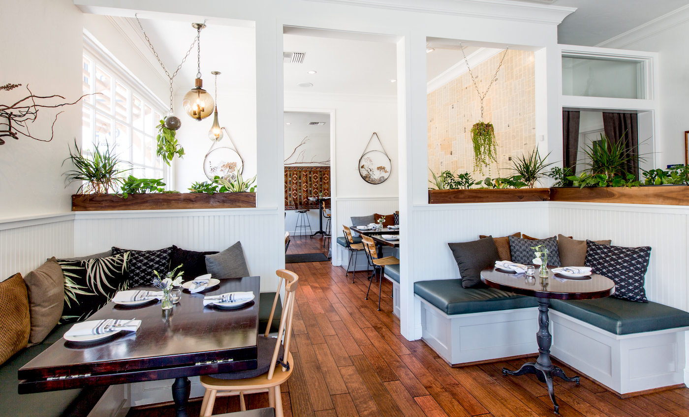 MAIN DINING ROOM | SEATS 30    Available for 'SEMI-PRIVATE BUYOUT' option
