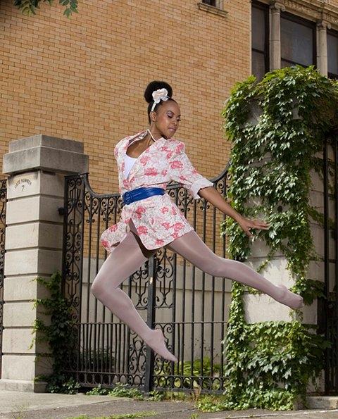 Gwen L1 leap (internet).jpg