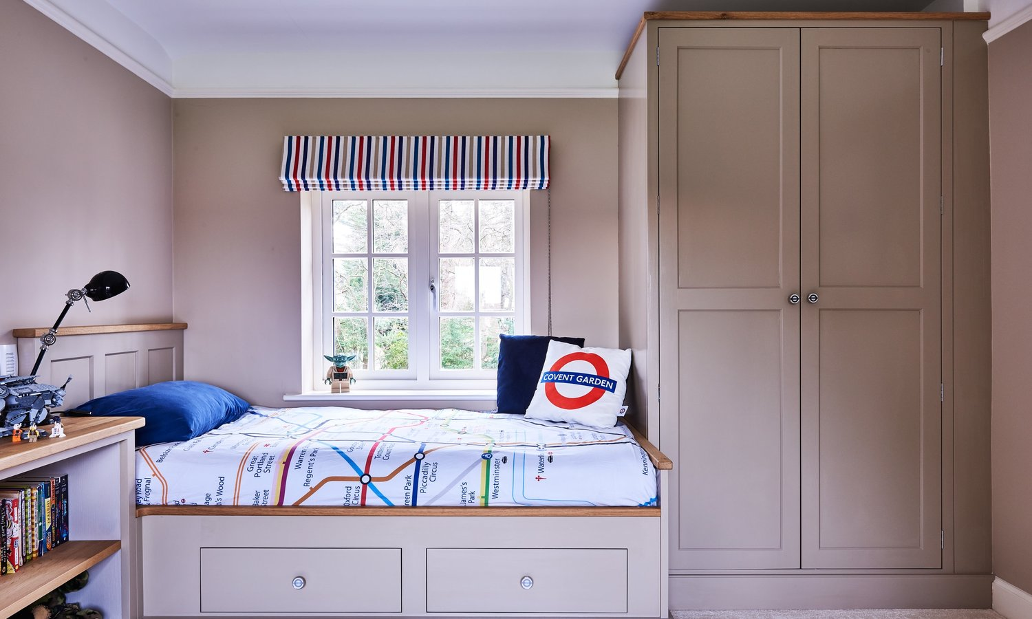 Bespoke furniture - We provide project management and fitting for all our bespoke furniture designs.This could be furniture for a dining room, library or study.