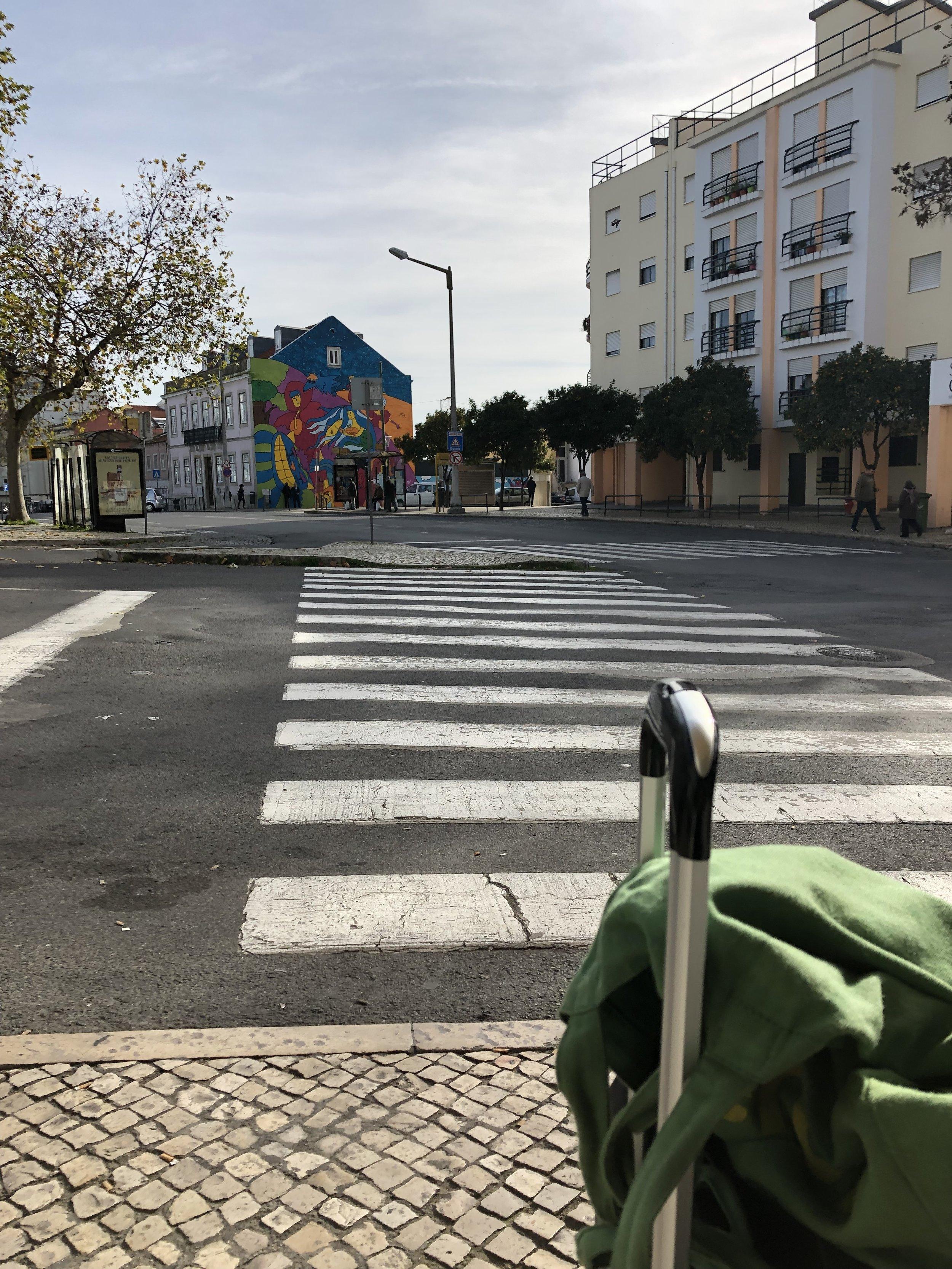 街のいろんな壁に ミューラルが多かったリスボン