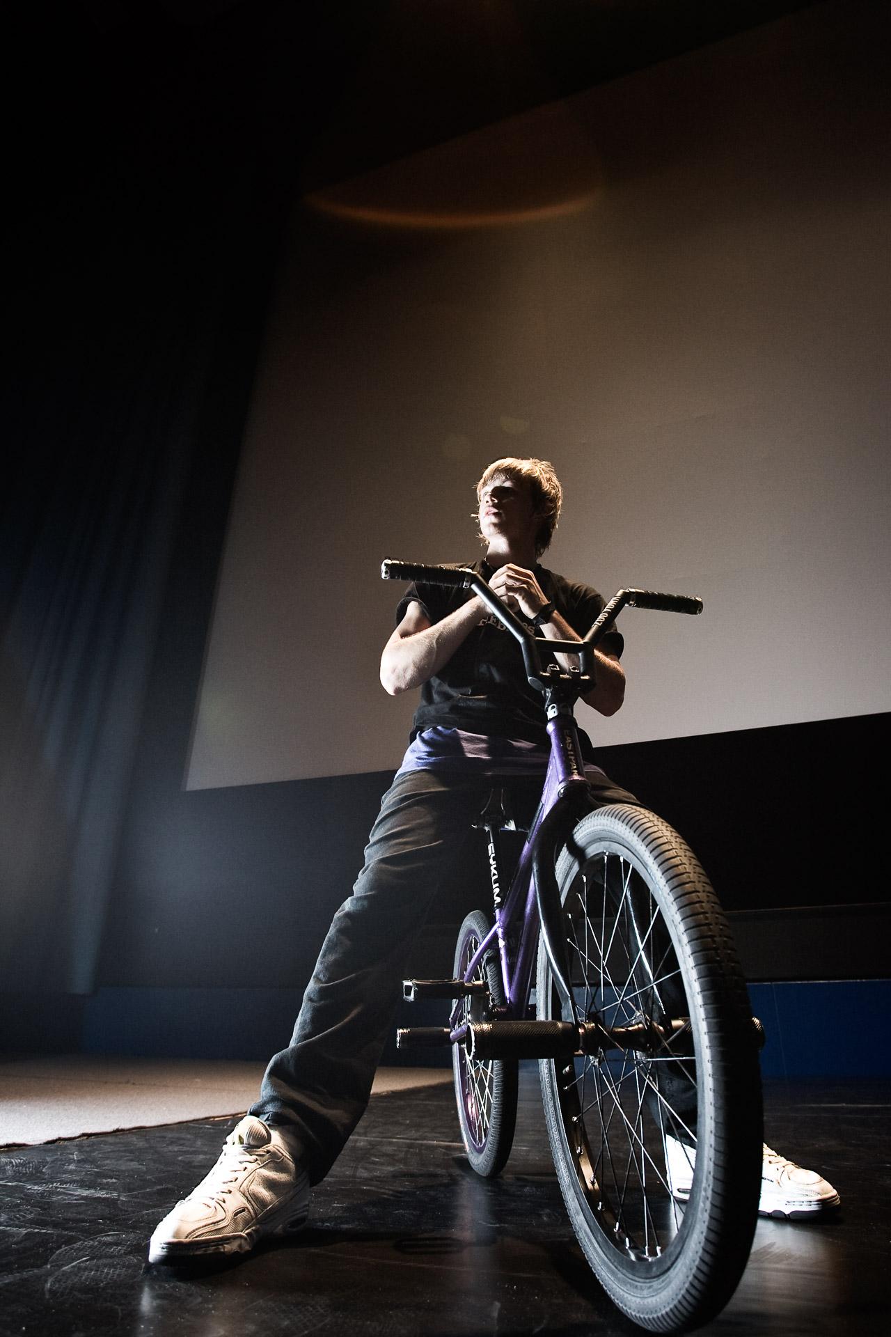 Portraits des Flatland BMX Profis Chris Böhm vor einem Auftritt im ICC Berlin