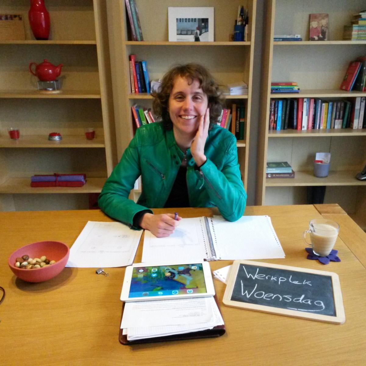 Linda van Erve van De Kennis-illustrator legt beeldbanken aan voor ondernemers met tekeningen van haar eigen hand. Daarnaast schrijft ze wijze reacties als je haar als collega-ondernemer iets vraagt. Foto: ZinVol.