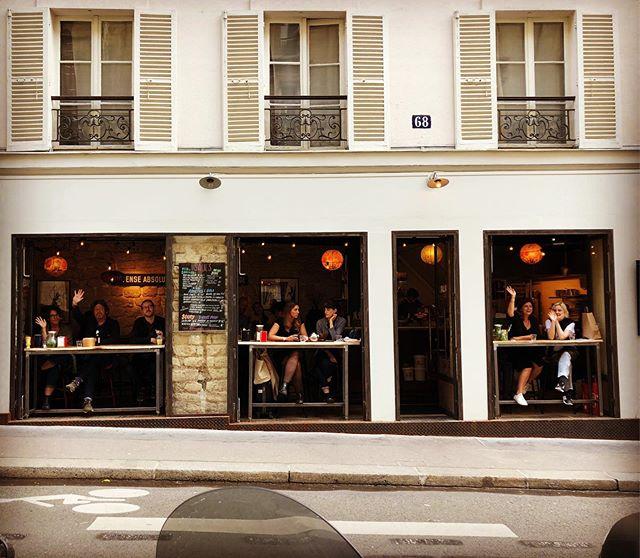La plus belle vue de Paname pour manger un Red Falafel ? Saul's à West Barbès! #saulslevantinestreetfood #saulsparis #bestfalafelintown #paris #westbarbes