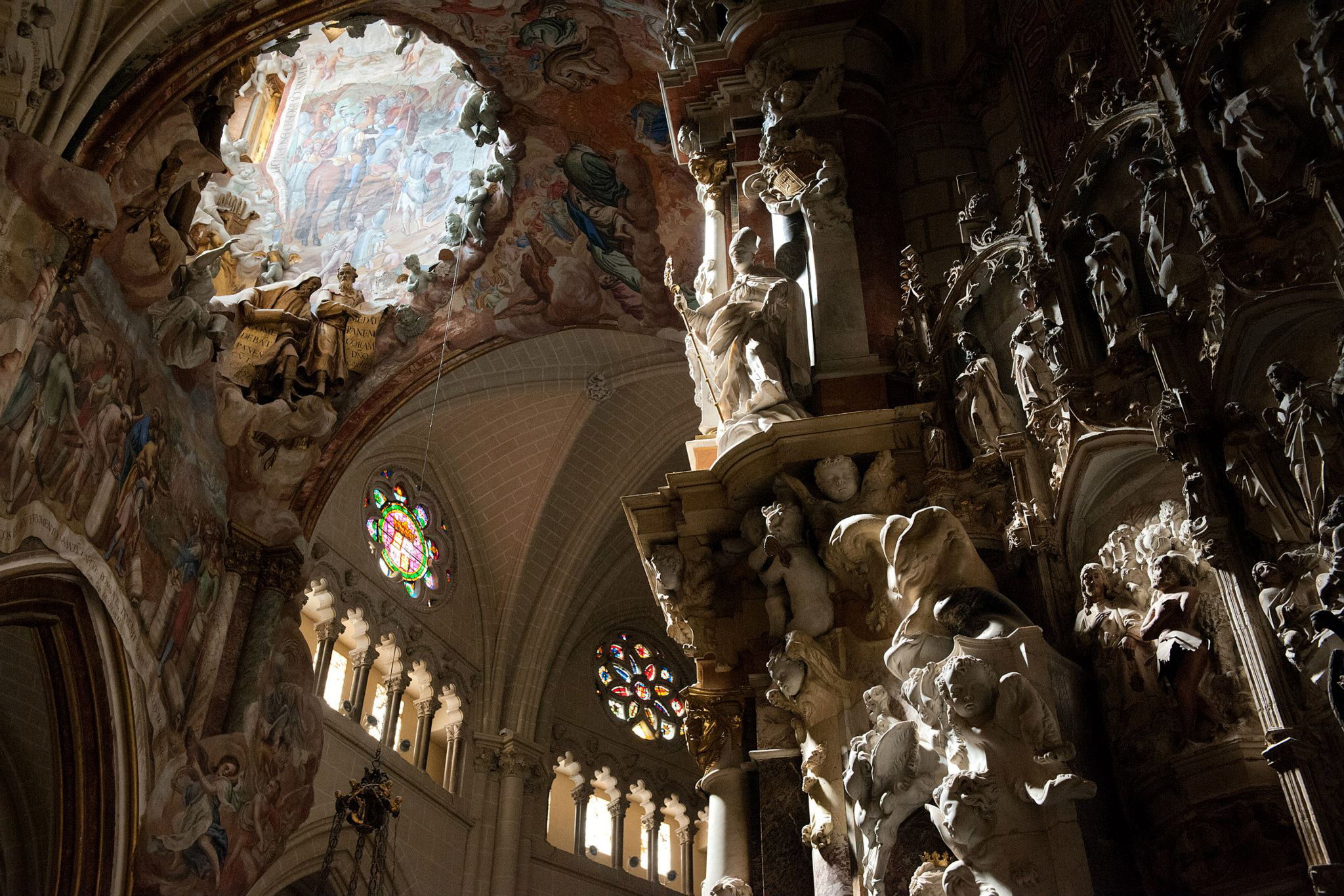 Copyright eBradshaw,com - Toledo Cathedral.jpg