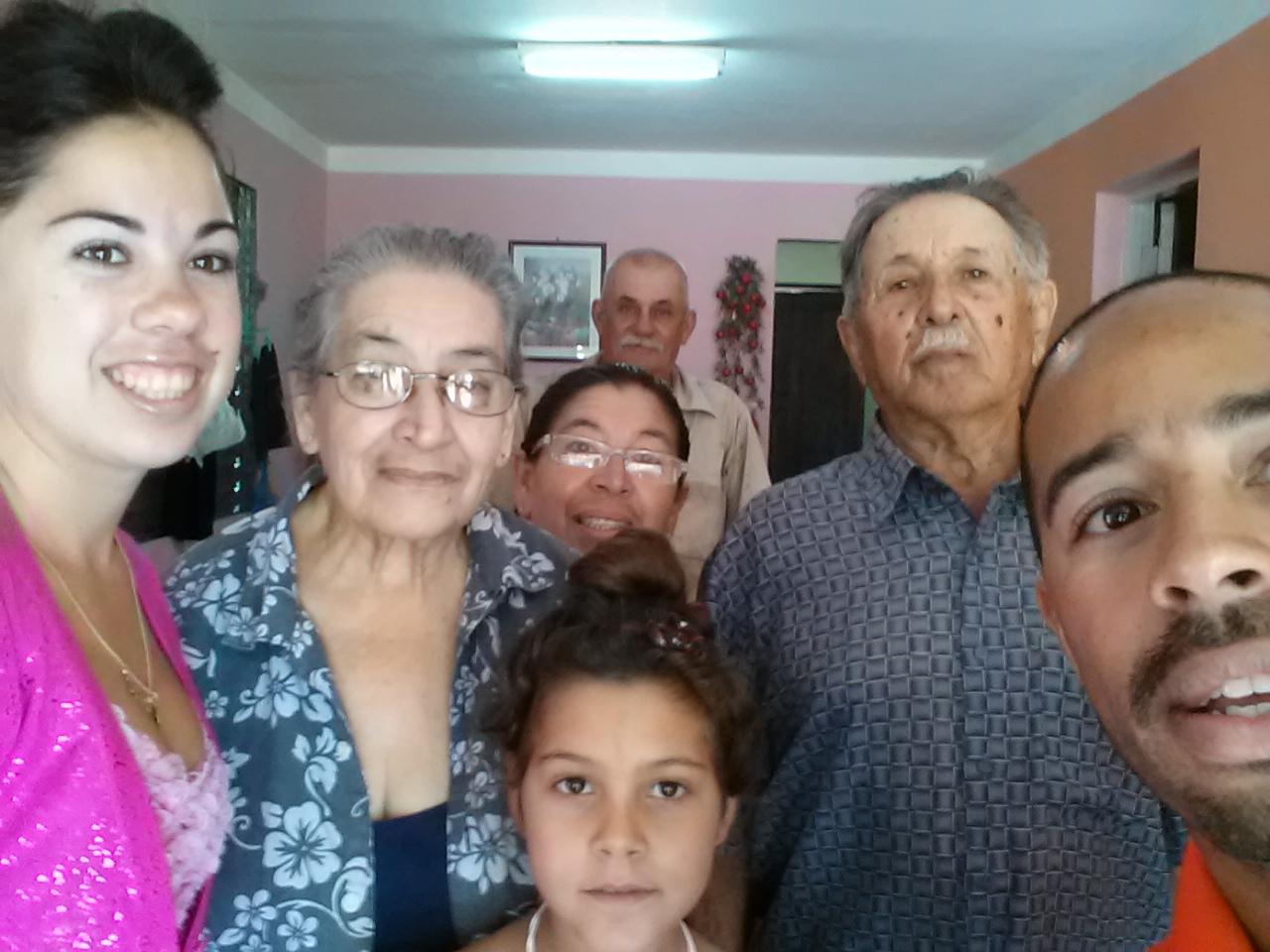 Cuba_Family.jpg