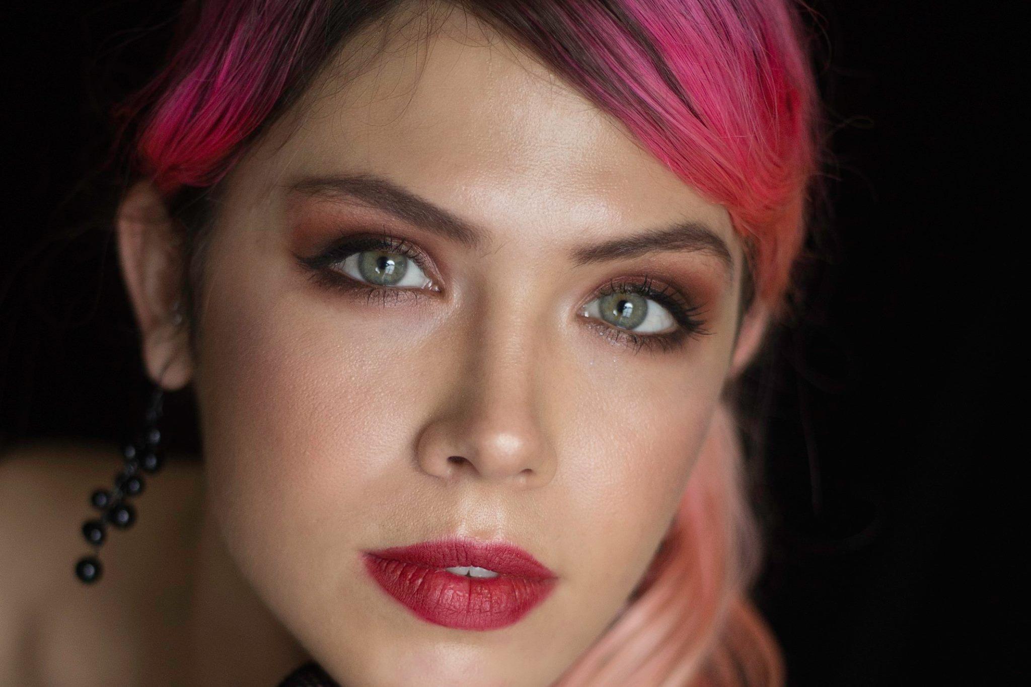 Whitney Olsen Faceshot.jpg