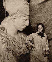 Sculptor Enid Yandell