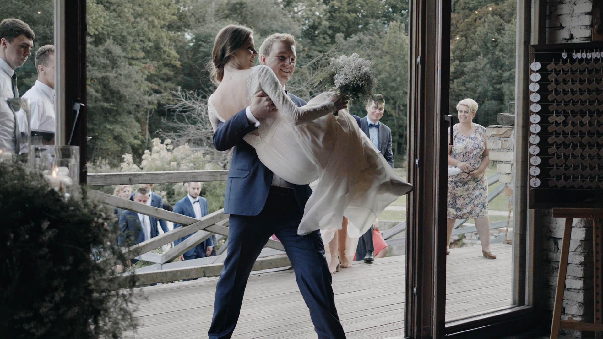 cegielnia-rzucewo-wesele-trojmiasto-gdansk-kamerzysta (9).jpg