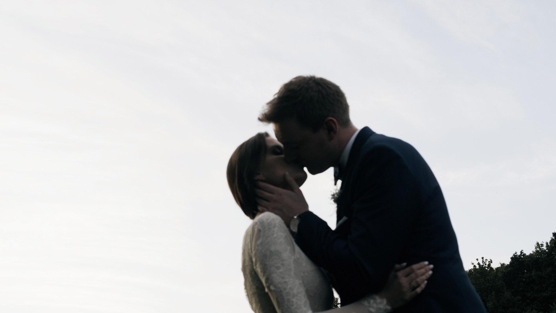 cegielnia-rzucewo-wesele-trojmiasto-gdansk-kamerzysta (11).jpg