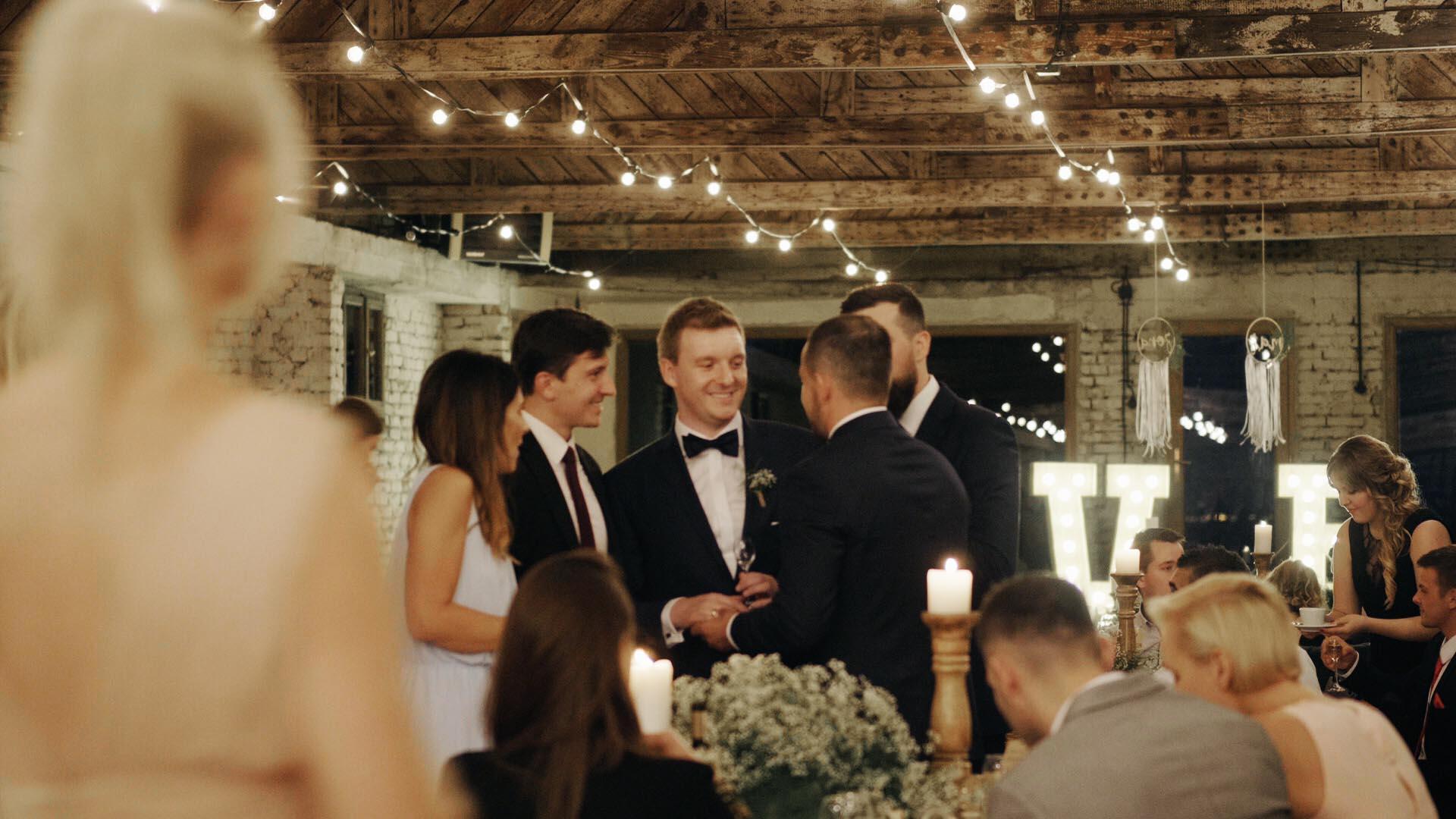 cegielnia-rzucewo-wesele-trojmiasto-gdansk-kamerzysta (15).jpg