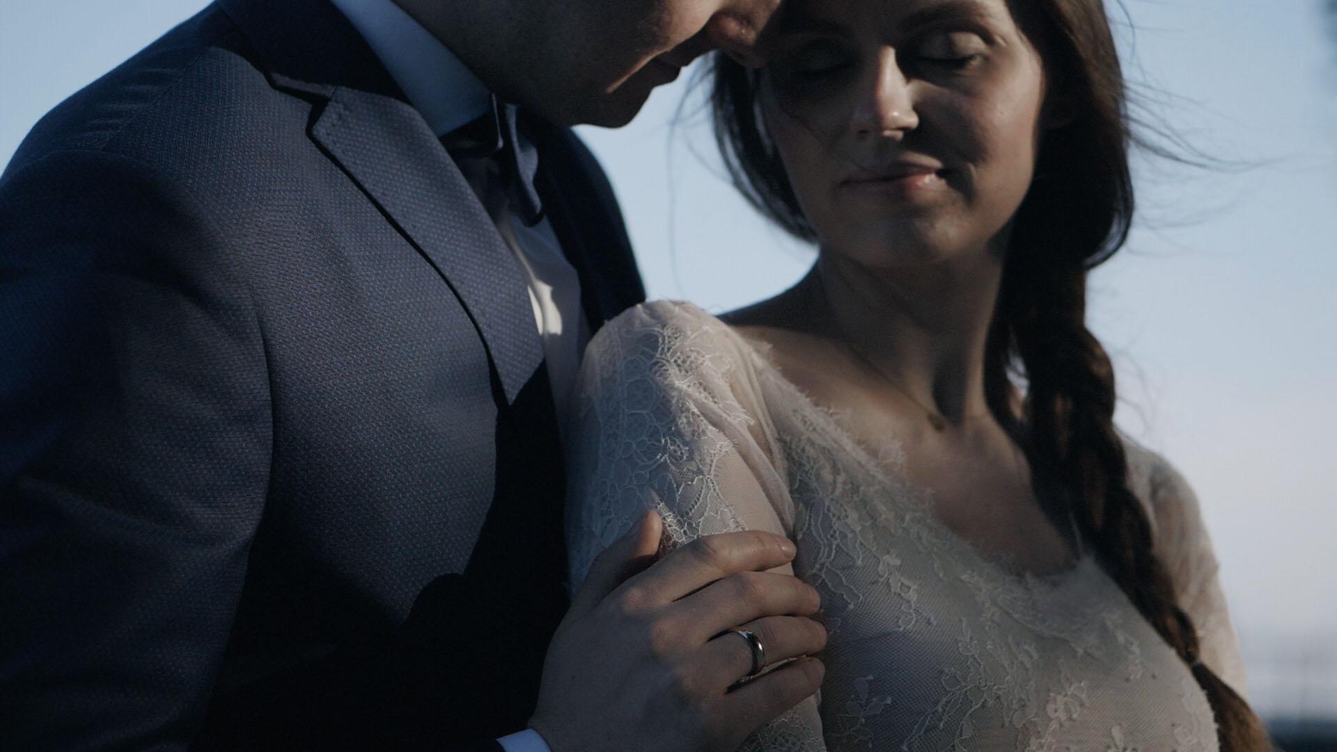 cegielnia-rzucewo-wesele-trojmiasto-gdansk-kamerzysta (17).jpg