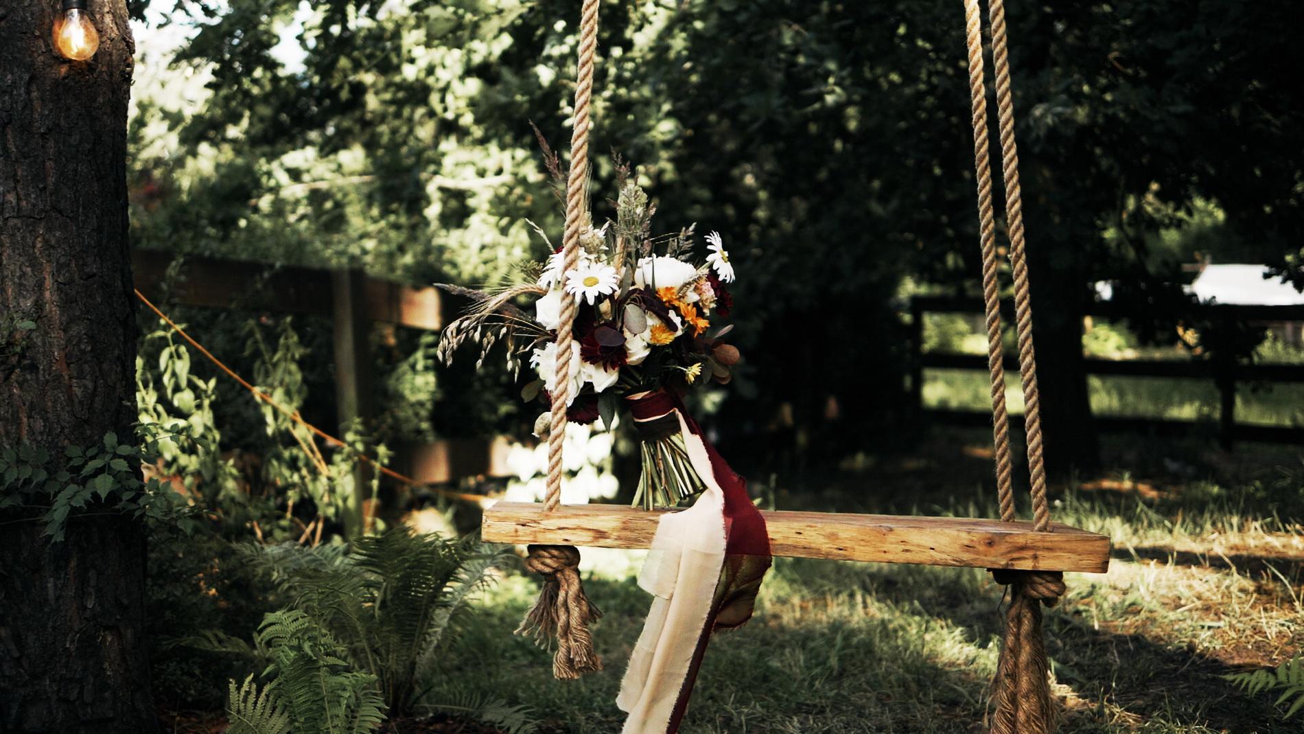 wedding_editorial_art_film_portrait_videographer_sesja_slubna_stylizowana_boho_filmowca_teledysk_slubny 02 (6).jpg