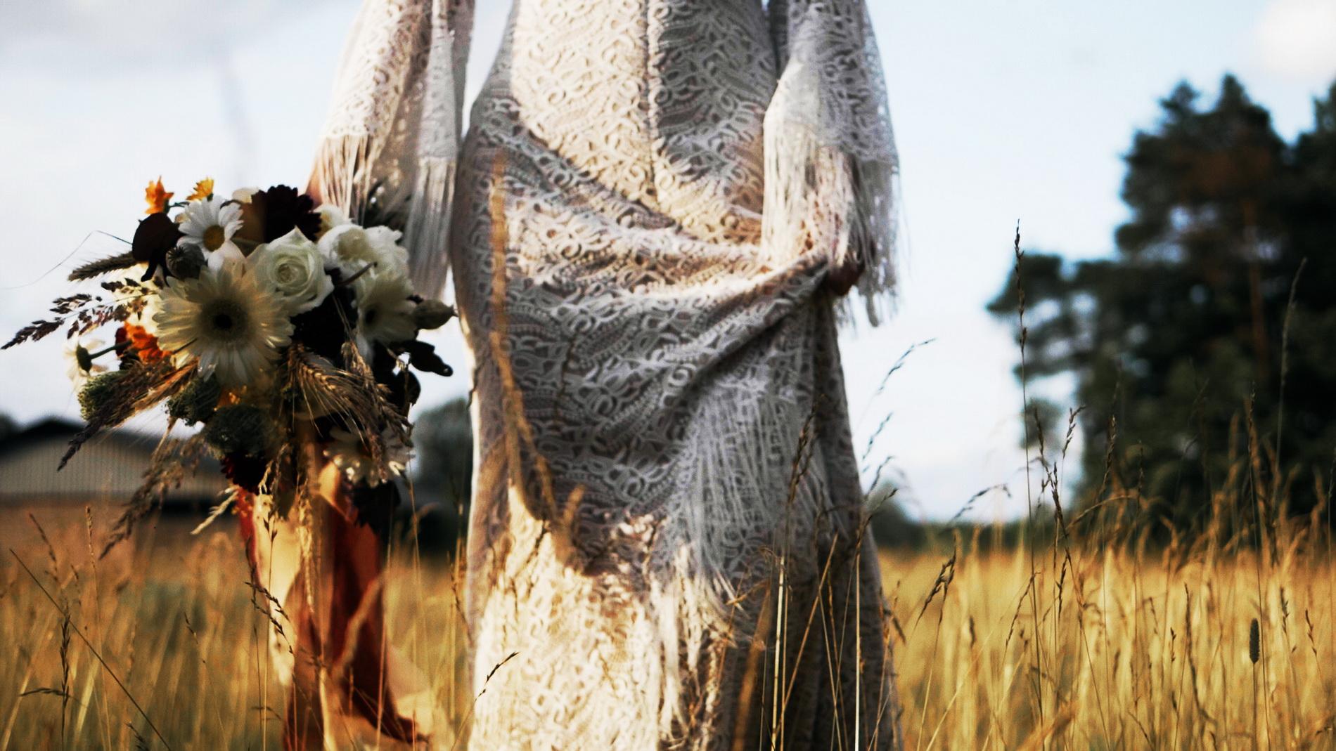 wedding_editorial_art_film_portrait_videographer_sesja_slubna_stylizowana_boho_filmowca_teledysk_slubny 02 (8).jpg