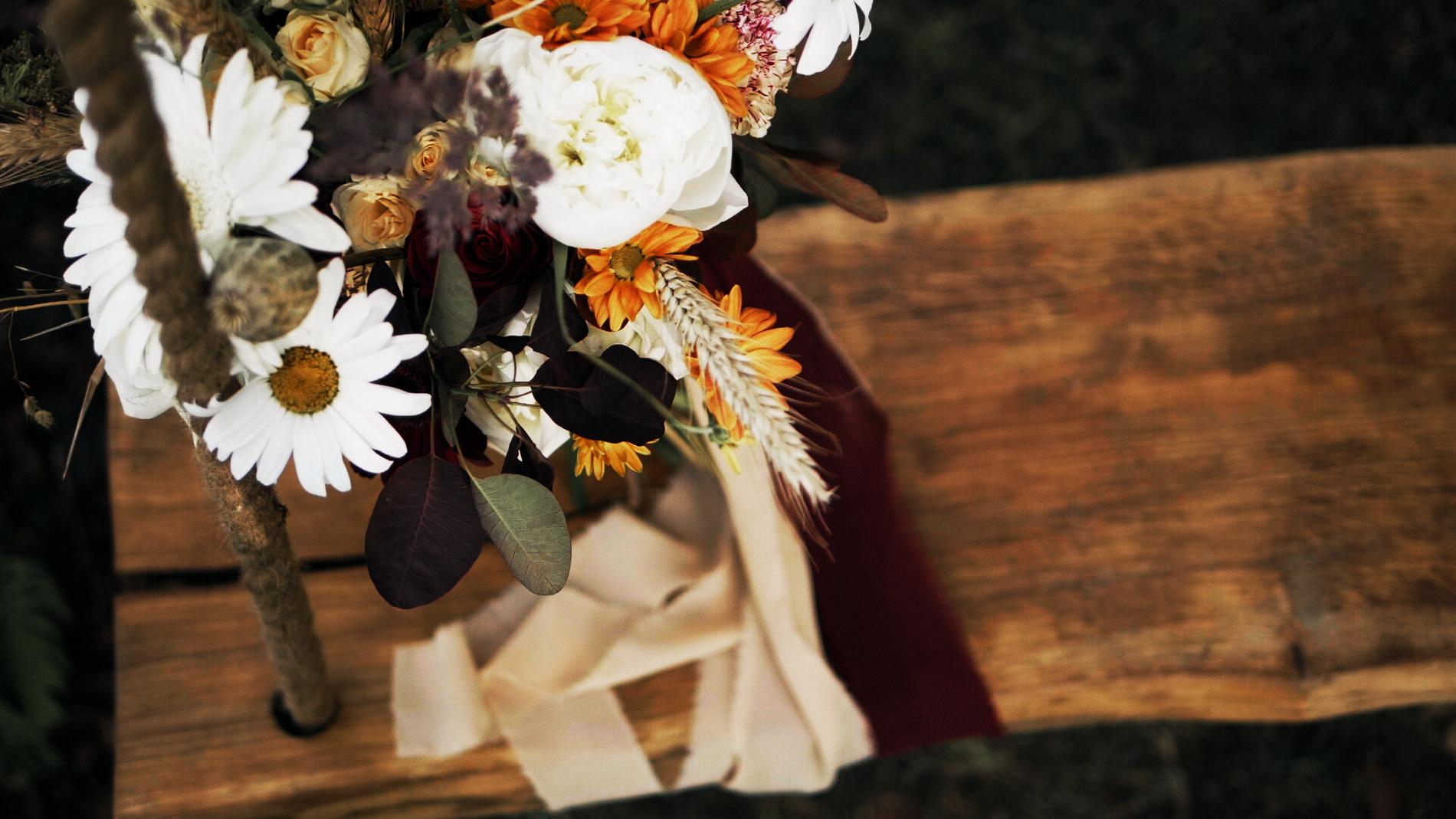 wedding_editorial_art_film_portrait_videographer_sesja_slubna_stylizowana_boho_filmowca_teledysk_slubny 02 (12).jpg
