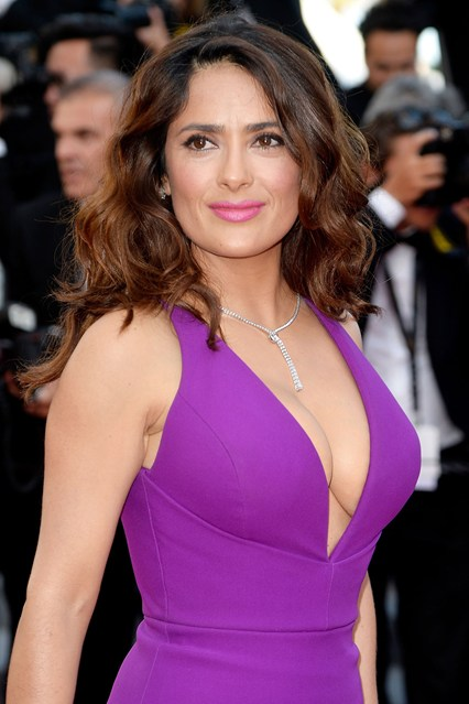 Salma-Hayek-beauty-vogue-18may15-getty_b_426x639.jpg