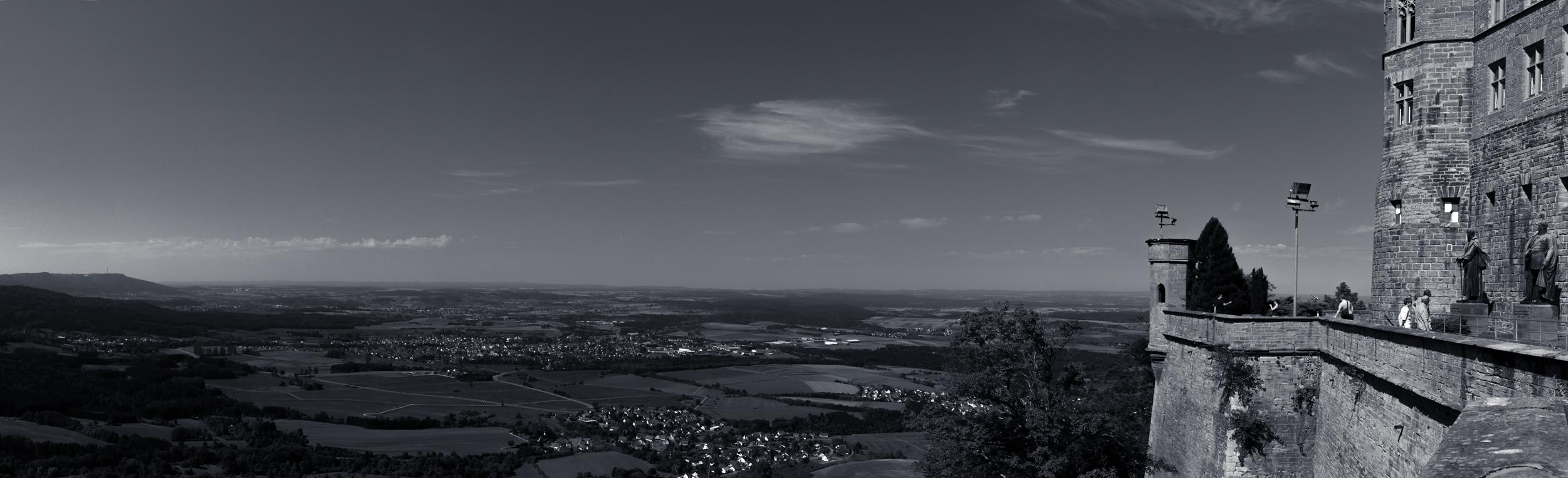 35 mm-20150830-114251- Burg Hohenzollern-Pano_.jpg