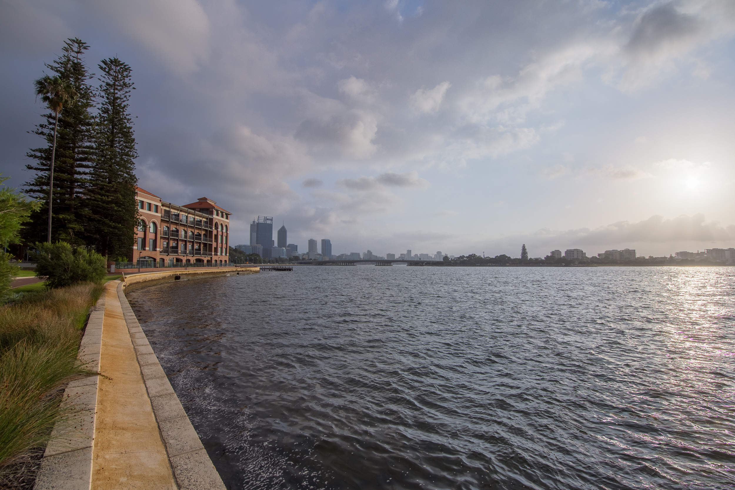 50 mm-20151124-000028-Perth Brewery River-3-HDR.jpg