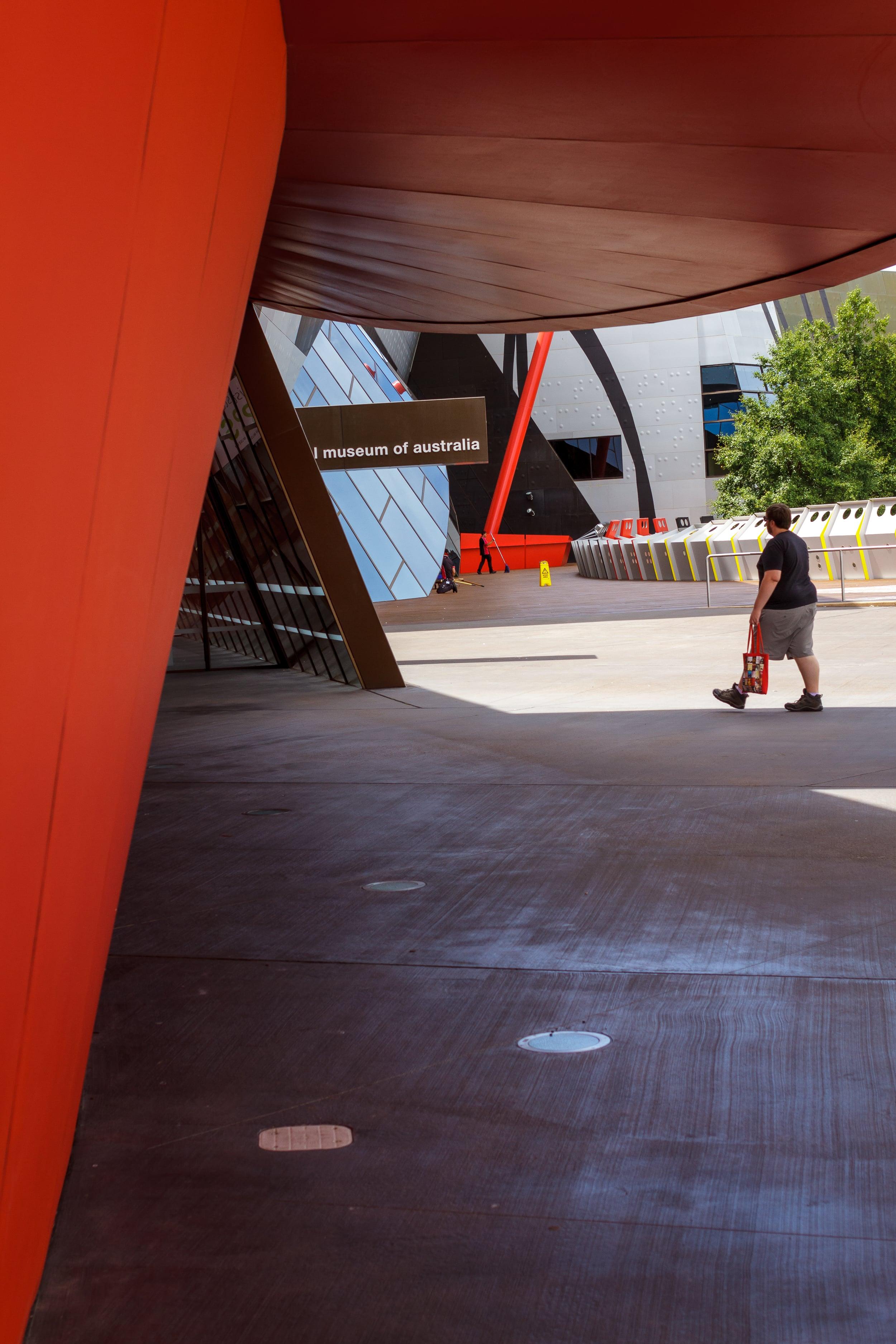35 mm-20160111-115406-Canberra II.jpg