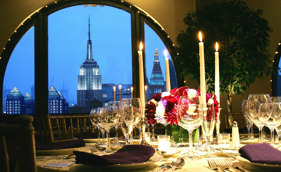 HSNY's 2019 Gala & Charity Auction will be held at the    Manhattan Penthouse   , an incredible venue with panoramic views of the New York City skyline.