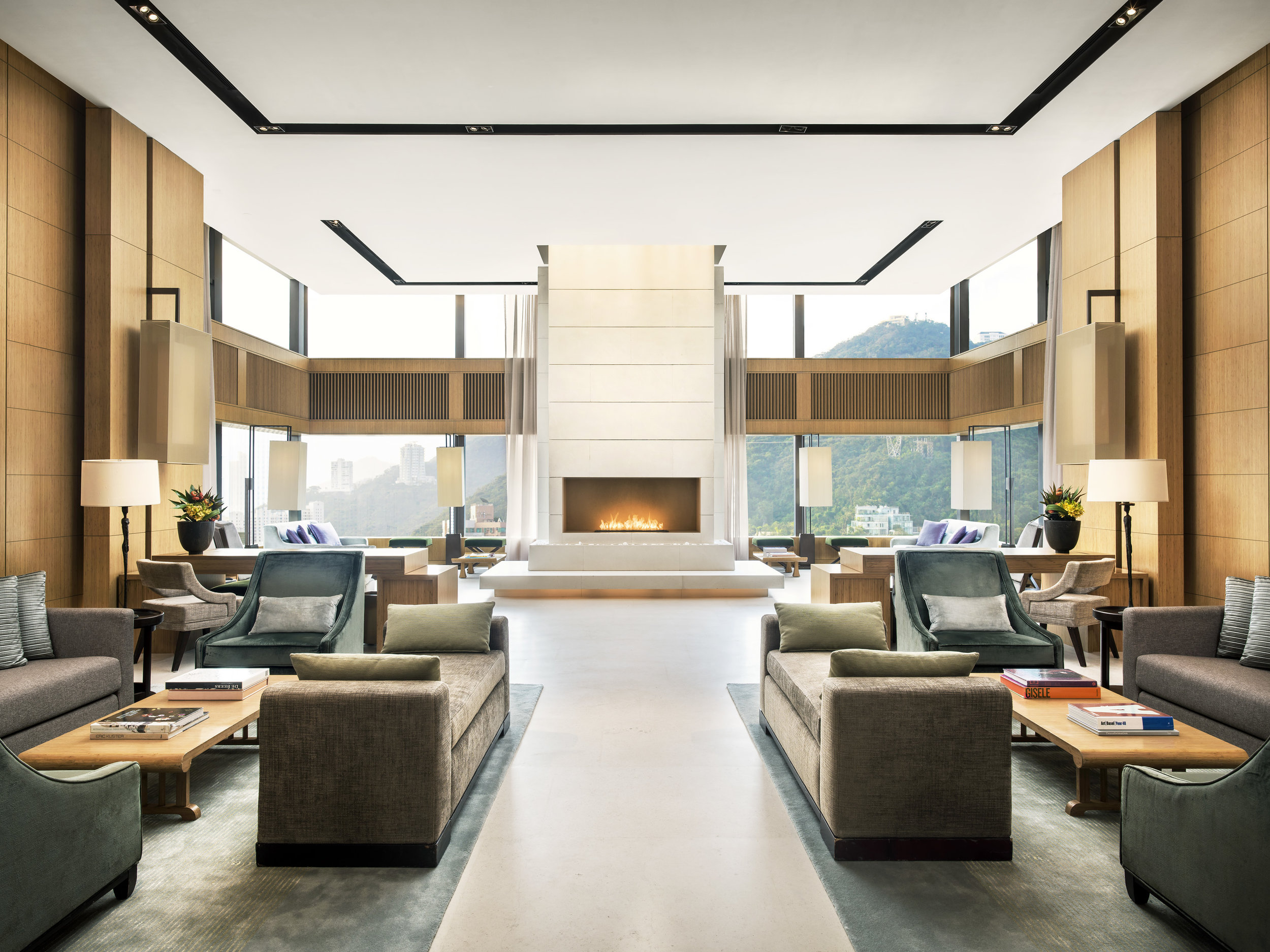 HSNY's Traveling Education courses will take place in The Upper House's Sky Lounge, a sophisticated, airy space on the 49th floor with views of green hillsides and eastern Hong Kong. Photo courtesy of The Upper House.