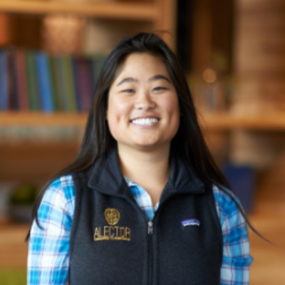 Helen Lam, M.S. | Board Member   Helen graduated from UC Davis with a Bachelor's degree in Biochemistry and Molecular Biology and from San Francisco State with a Master's degree in Biomedical Science. She takes great pride in her day job as Senior Research Associate at Alector in South San Francisco, working diligently to contribute to the company's efforts in cancer and neurodegeneration immunotherapies. After a trip to visit her parents' hometowns in Vietnam, she decided she should get involved in ensuring that children have the opportunity to continue their education regardless of their family's financial ability and started volunteering with ICAN in August 2017. Despite her original interest being in providing a helping hand to underprivileged students in Vietnam, Helen came to learn much about ICAN's US-based initiatives to strengthen Vietnamese-American families in our local community, many of whom struggle to find the right resources and now works with the team to raise grant money and awareness for these programs. In March 2018, Helen became the newest member of ICAN's Board of Directors.